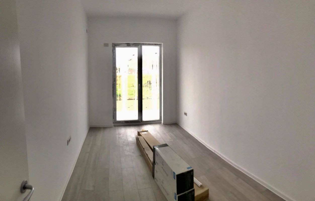 Apartament cu 3 camere decomandat, de vanzare, zona Dumbravita (gradina) 3