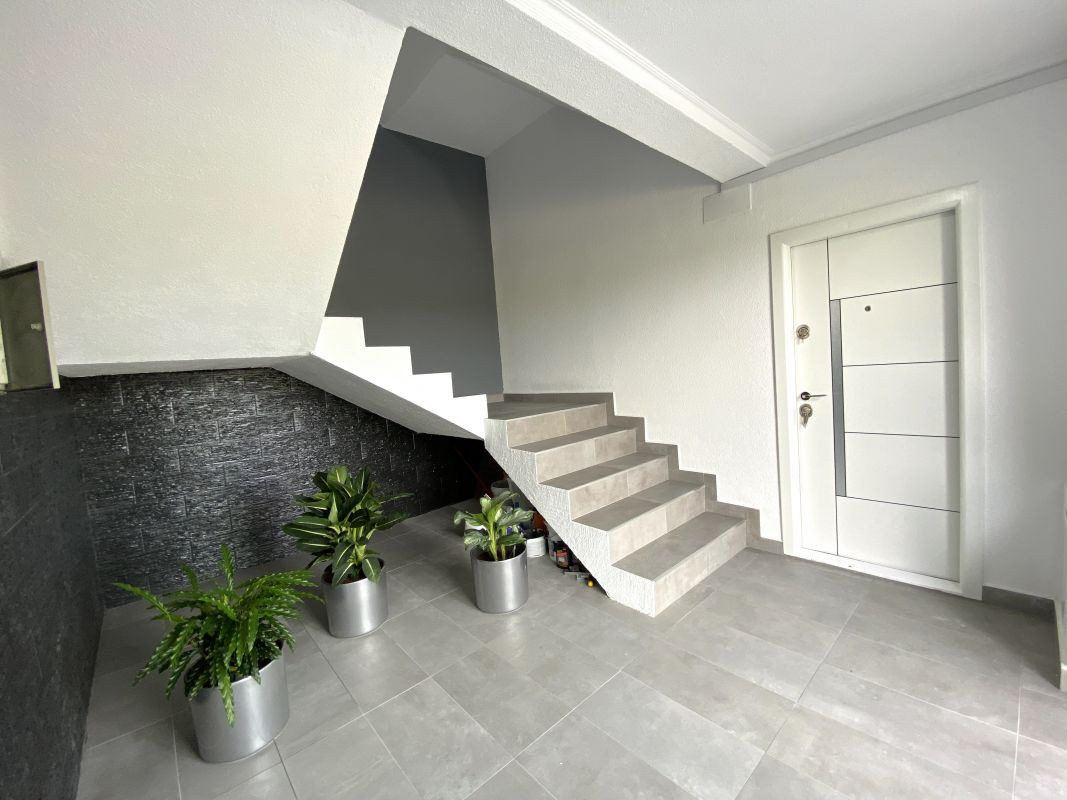 De vanzare apartament cu 3 camere in Sanandrei  - 0% comision - V685 4