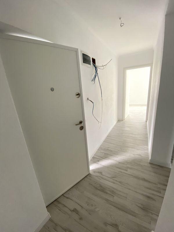 De vanzare apartament cu 3 camere in Sanandrei  - 0% comision - V685 5