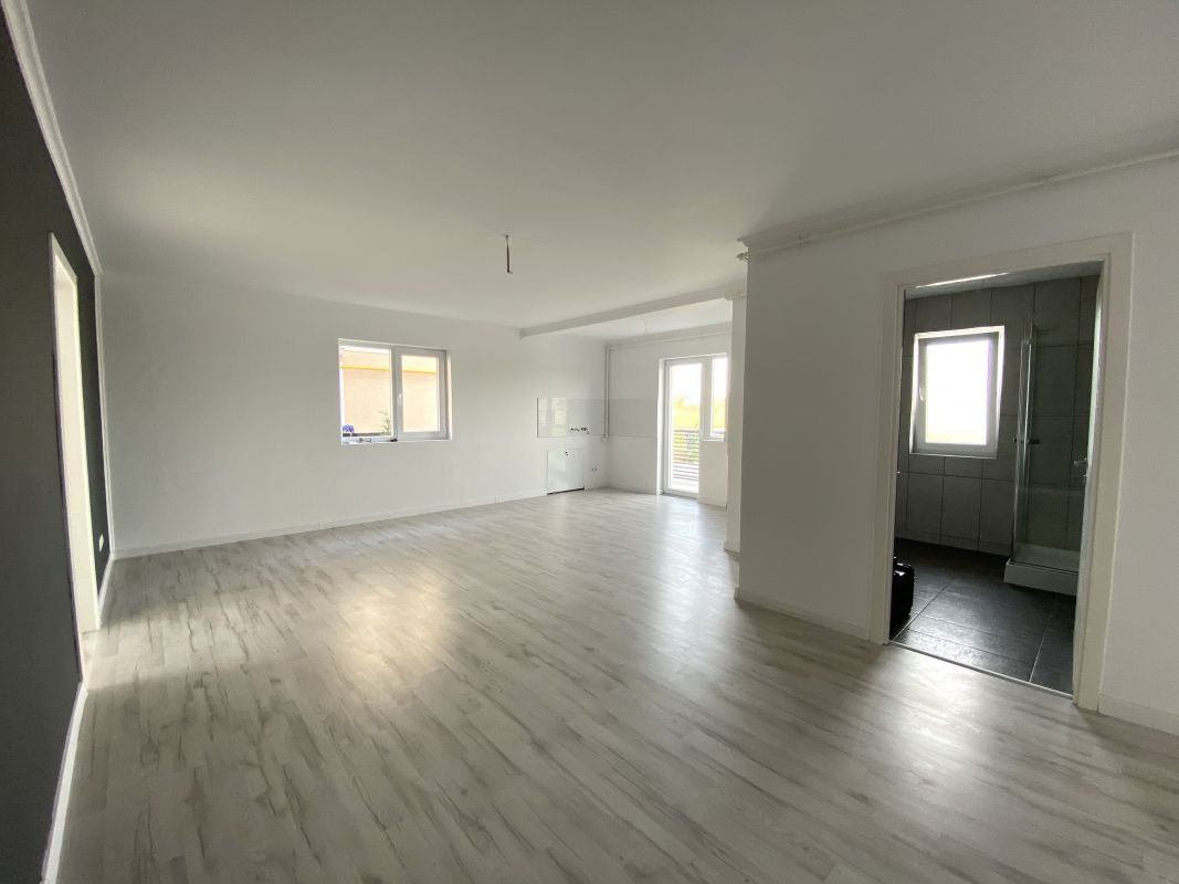 De vanzare apartament cu 3 camere in Sanandrei  - 0% comision - V685 6