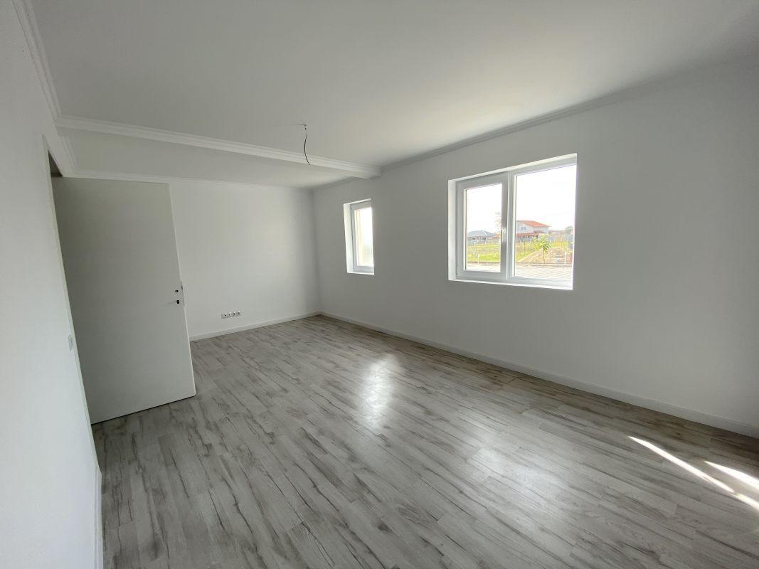 De vanzare apartament cu 3 camere in Sanandrei  - 0% comision - V685 12