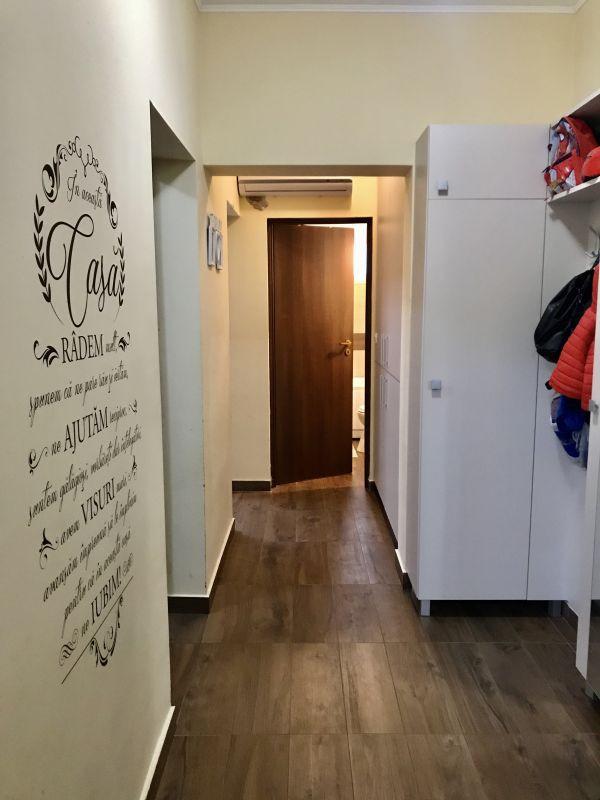 Apartament cu 2 camere, decomandat, de vanzare (gradina), zona Dumbravita 9