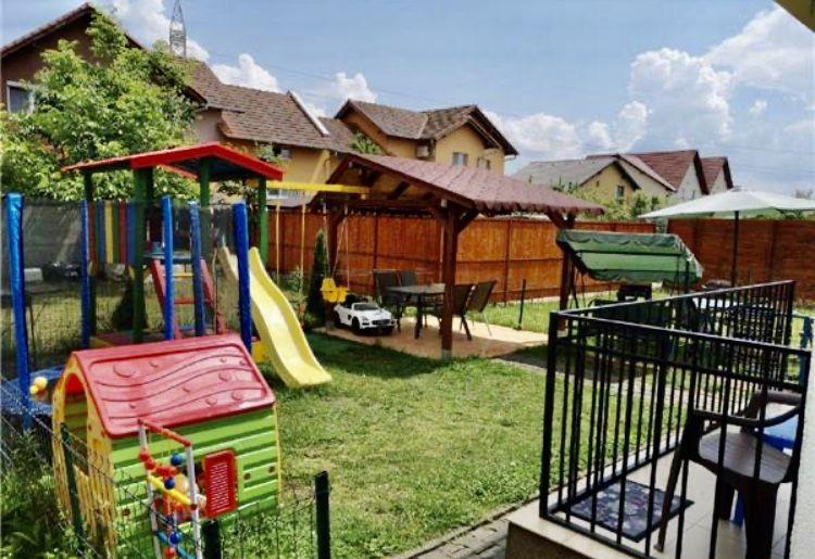 Apartament cu 2 camere, decomandat, de vanzare (gradina), zona Dumbravita 12