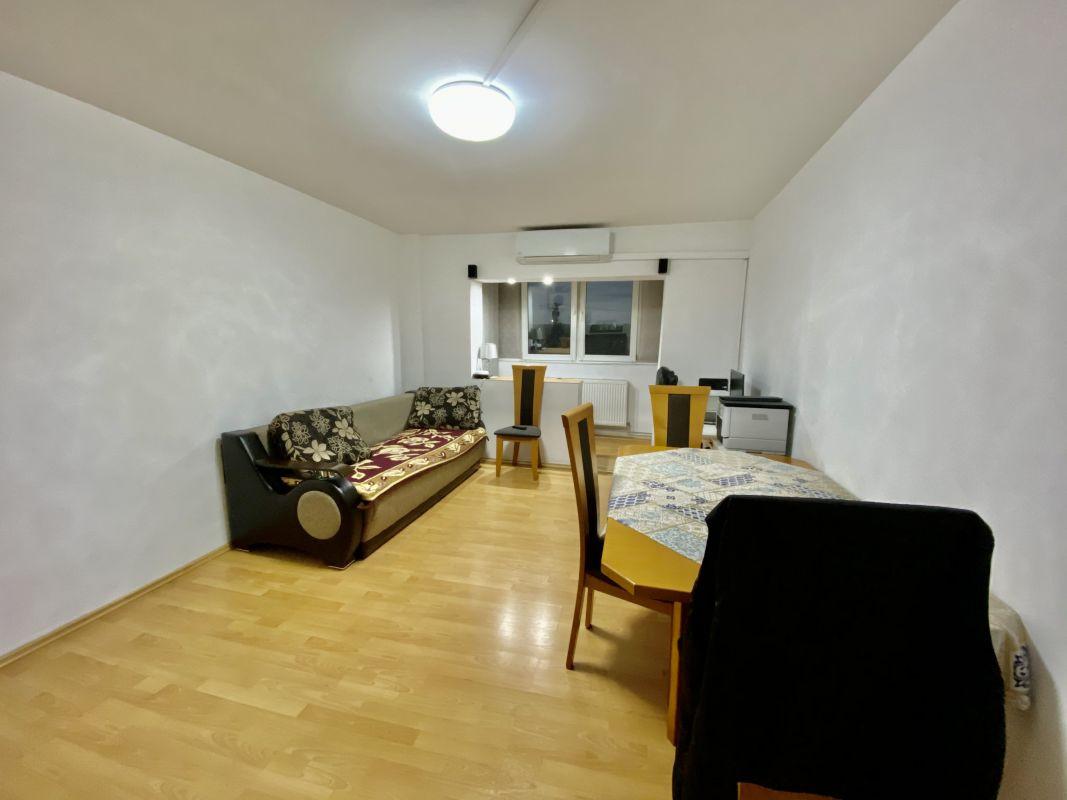 Apartament cu 2 camere, decomandat, de vanzare, zona Lipovei  1