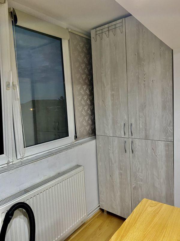 Apartament cu 2 camere, decomandat, de vanzare, zona Lipovei  3