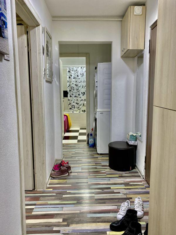 Apartament cu 2 camere, decomandat, de vanzare, zona Lipovei  4