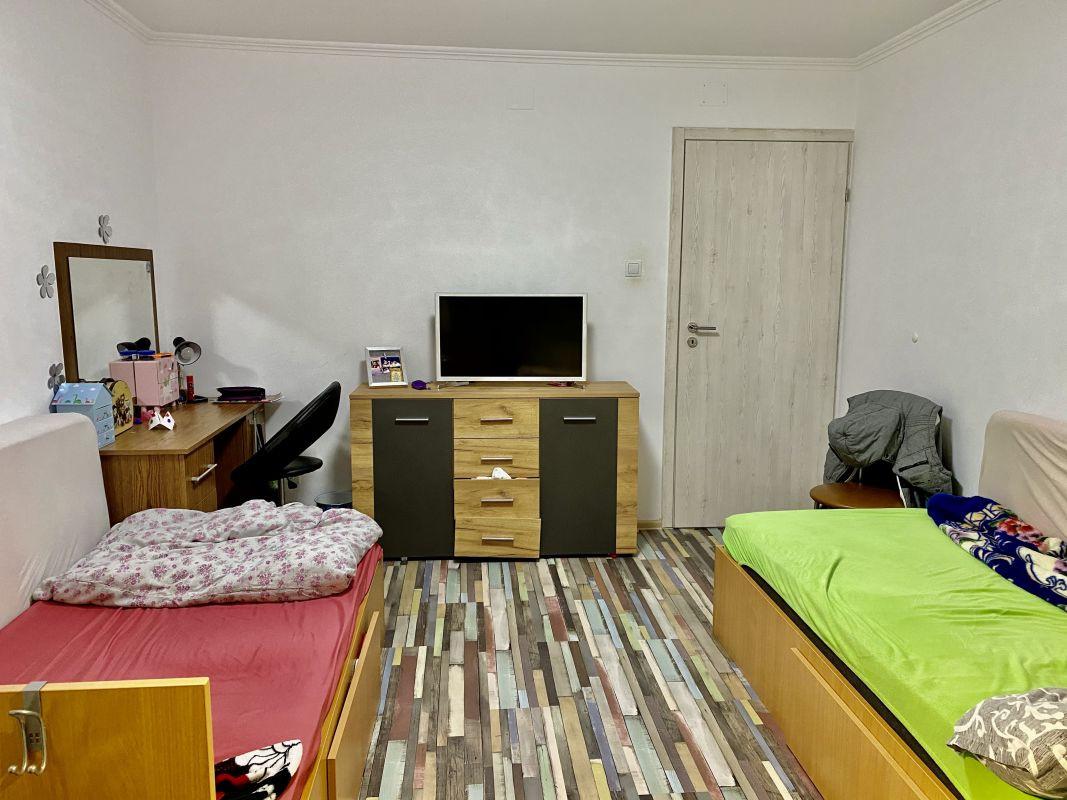 Apartament cu 2 camere, decomandat, de vanzare, zona Lipovei  8