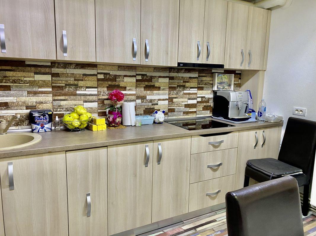 Apartament cu 2 camere, decomandat, de vanzare, zona Lipovei  10