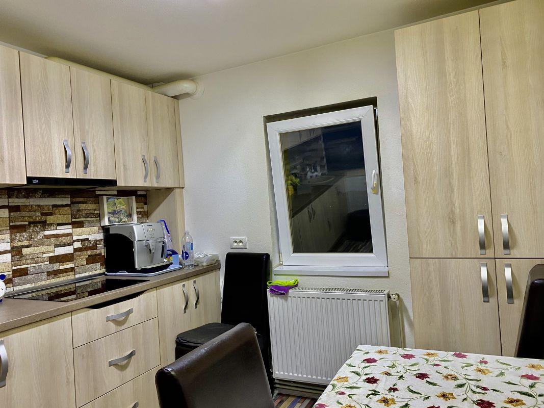 Apartament cu 2 camere, decomandat, de vanzare, zona Lipovei  11