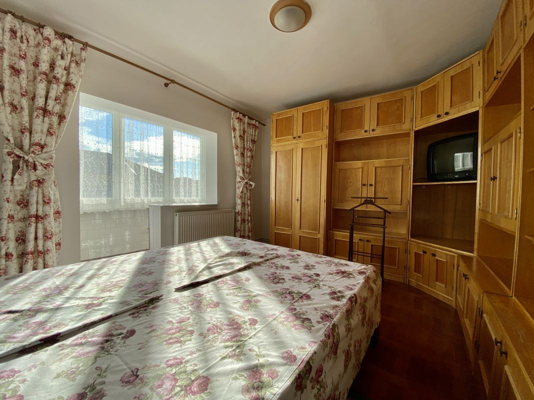 Apartament foarte spatios in Bucovina - ID V111 9