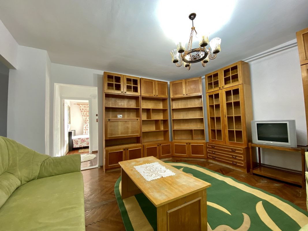 Apartament foarte spatios in Bucovina - ID V111 23