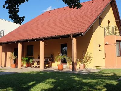 Casa individuala 5 camere Mosnita Noua - ID V431