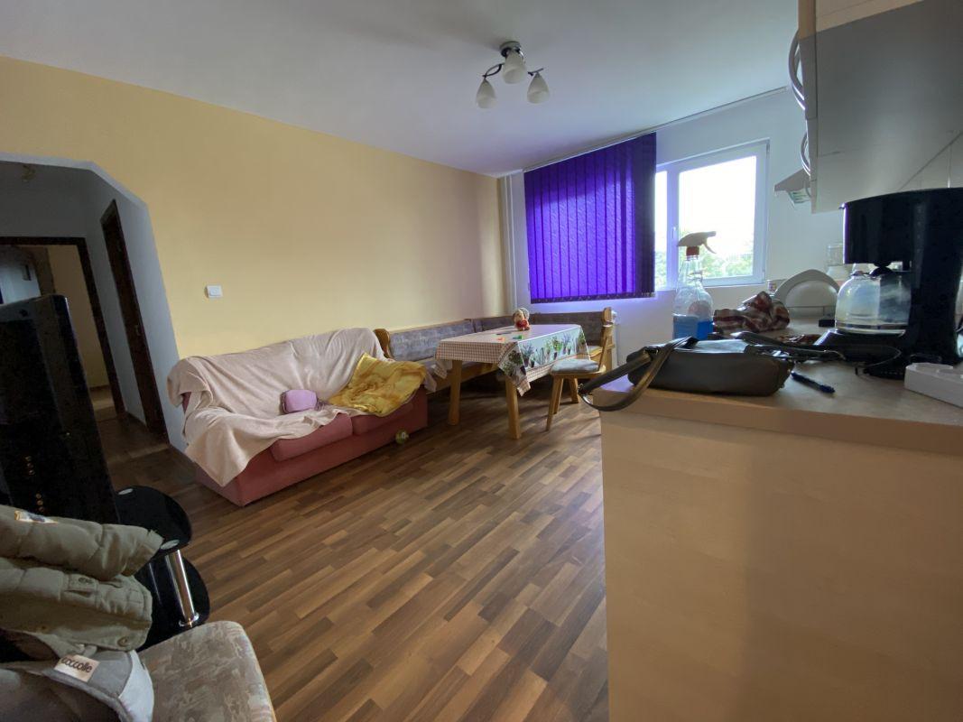 Apartament cu 3 camere, de vanzare, zona Piata Doina 2