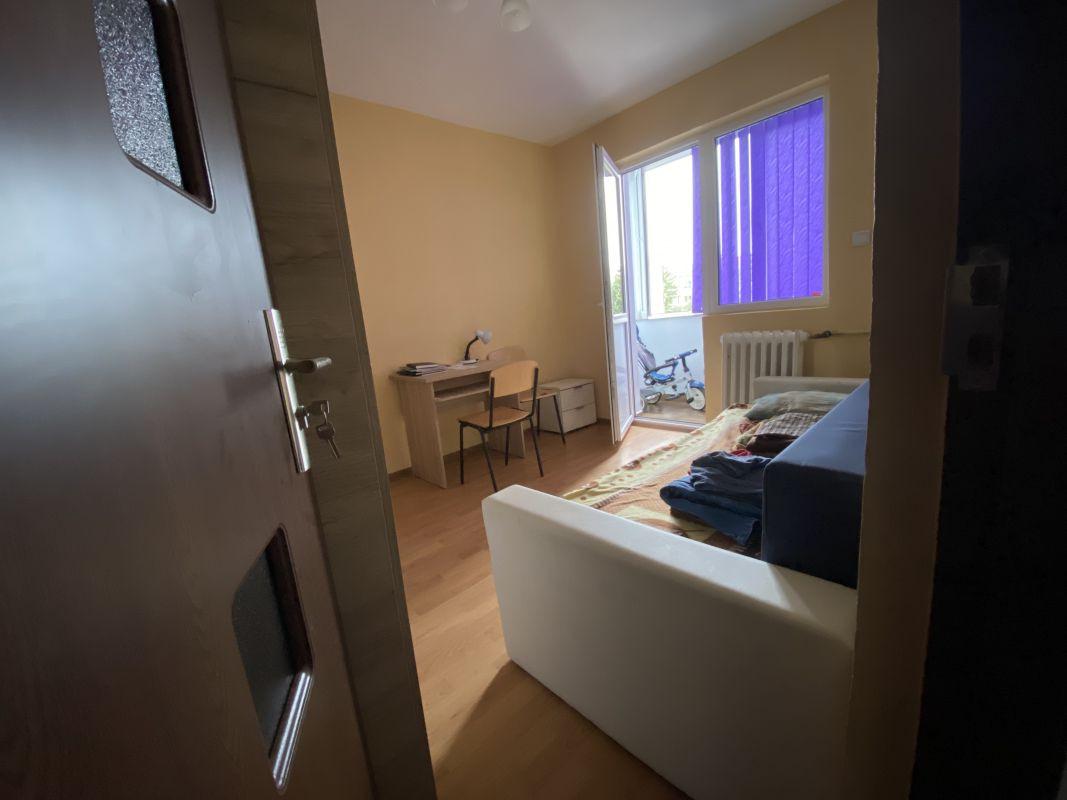 Apartament cu 3 camere, de vanzare, zona Piata Doina 7
