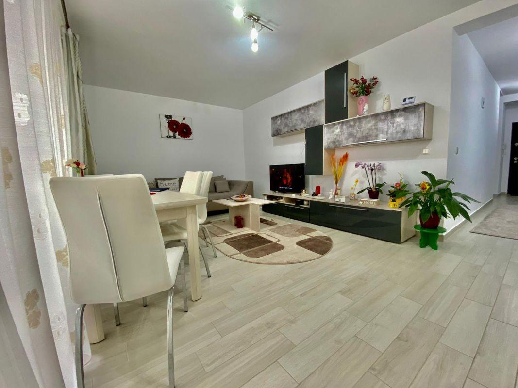 Apartament 3 camere, decomandat, de vanzare, zona Dumbravita 3