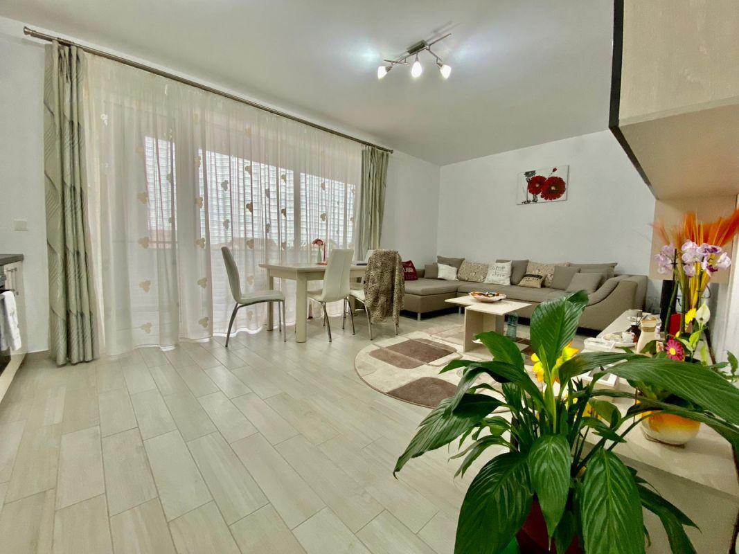 Apartament 3 camere, decomandat, de vanzare, zona Dumbravita 4