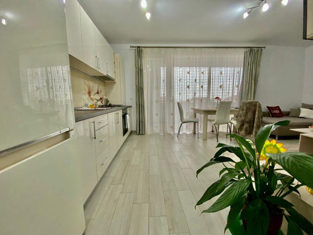 Apartament 3 camere, decomandat, de vanzare, zona Dumbravita 5