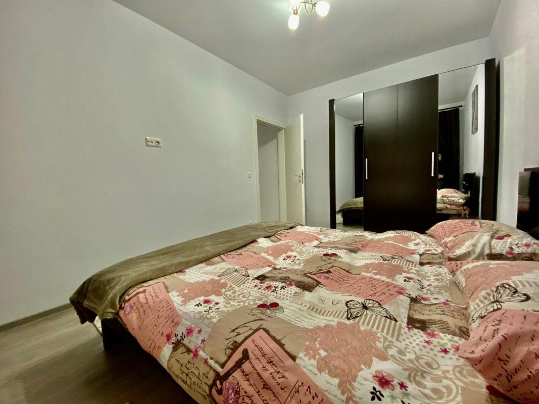 Apartament 3 camere, decomandat, de vanzare, zona Dumbravita 9