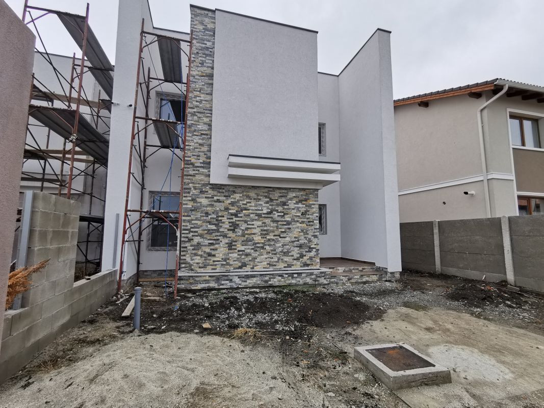 Duplex de vanzare in Mosnita Noua. 3
