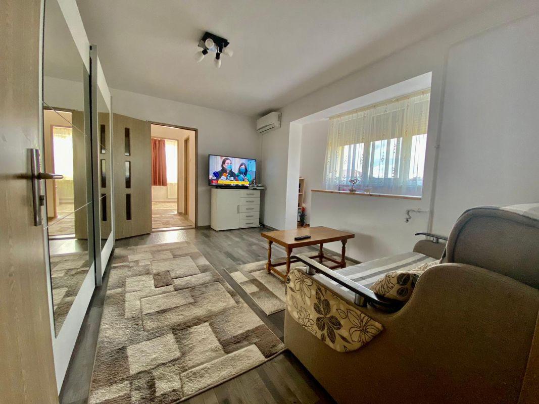 Apartament 2 camere   De vanzare   Semidecomandat   Zona Dacia   3