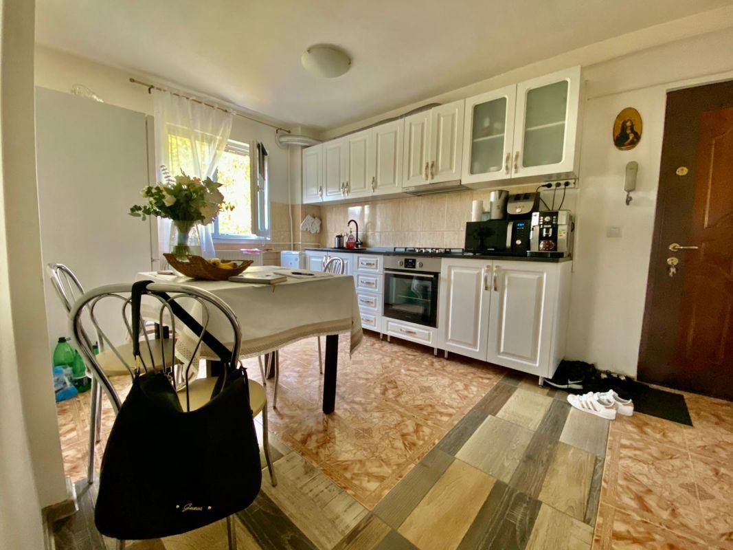 Apartament 2 camere   De vanzare   Semidecomandat   Zona Dacia   10