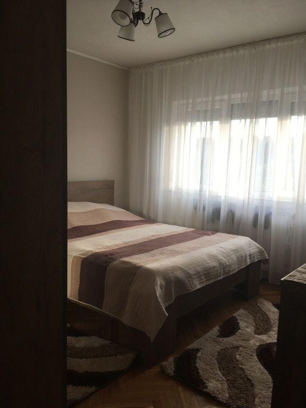 Apartament cu 3 camere, decomnadat, de vanzare, Calea Aradului 4
