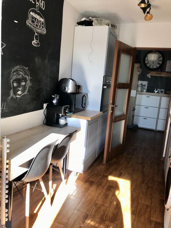 Apartament cu 3 camere, decomandat, de vanzare, zona Aradului 10