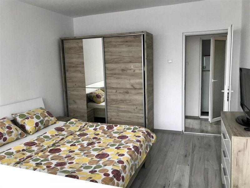 Apartament cu 2 camere, decomandat, de vanzare , zona Gheorghe Lazar 1