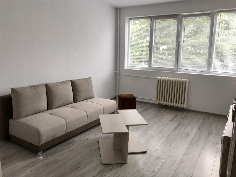 Apartament cu 2 camere, decomandat, de vanzare , zona Gheorghe Lazar 4