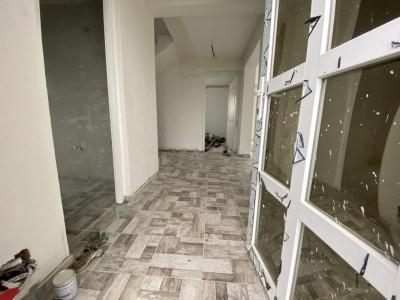 Casa tip duplex cu 5 camere, de vanzare, zona Dumbravita