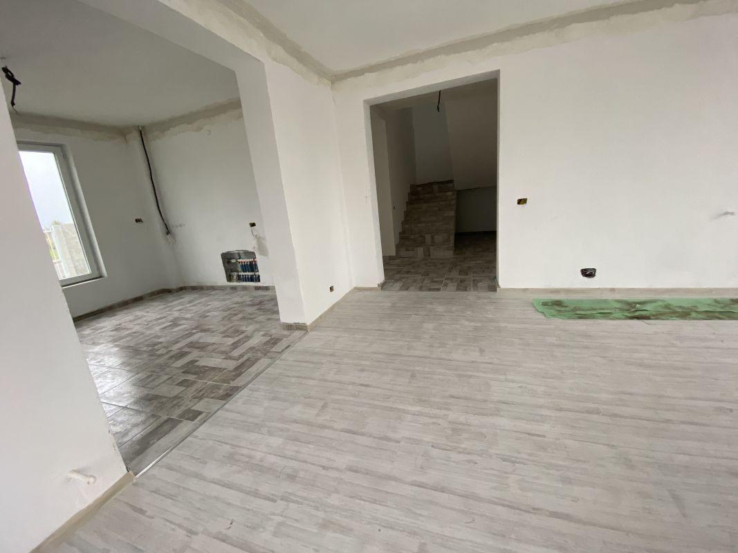 Casa tip duplex cu 5 camere, de vanzare, zona Dumbravita  13
