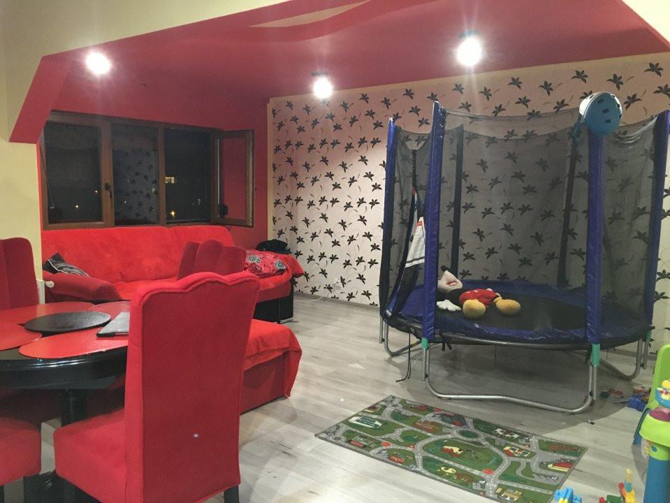 Apartament cu 2 camere, decomandat, de vanzare, zona Lipovei 2
