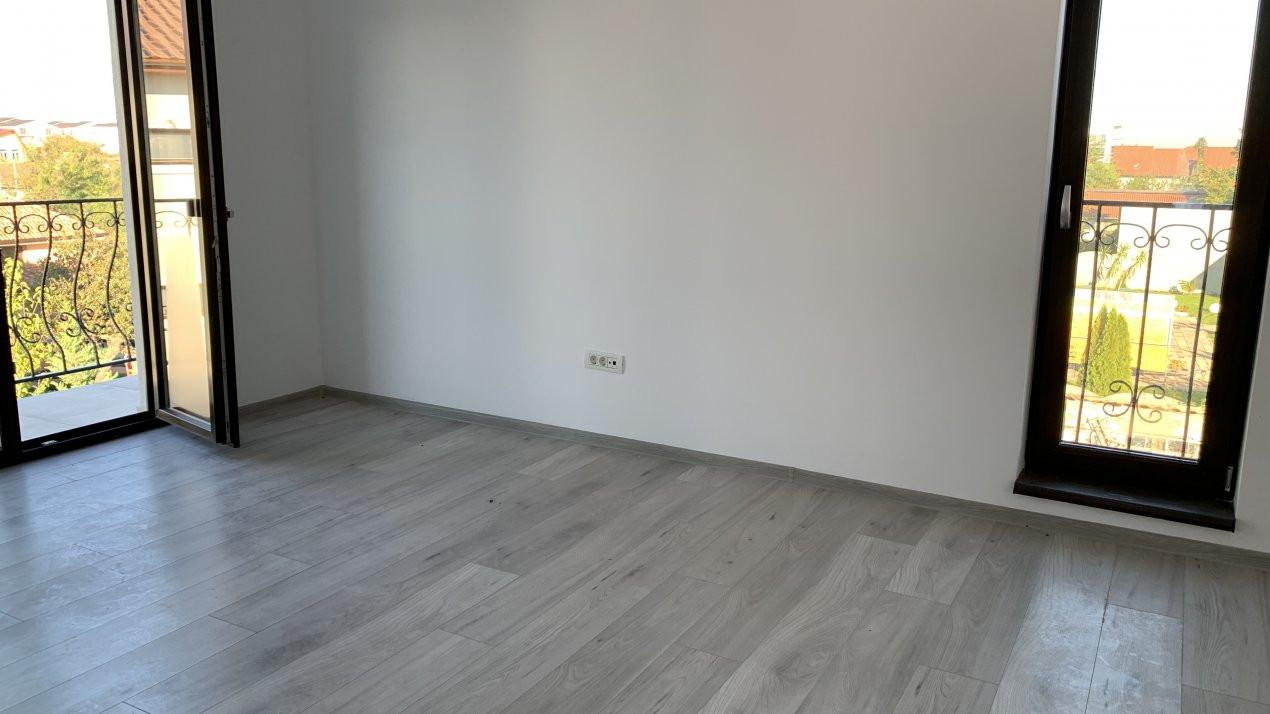 Apartament cu doua camere de vanzare   Centrala proprie   Decomandat   Giroc 5