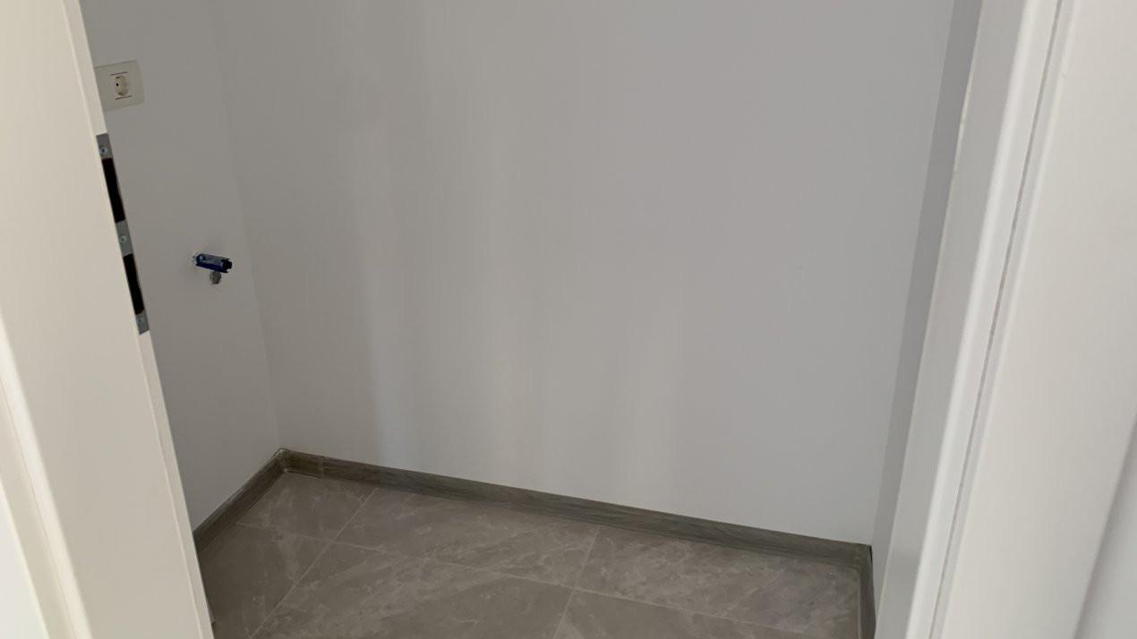 Apartament cu doua camere de vanzare   Centrala proprie   Decomandat   Giroc 8