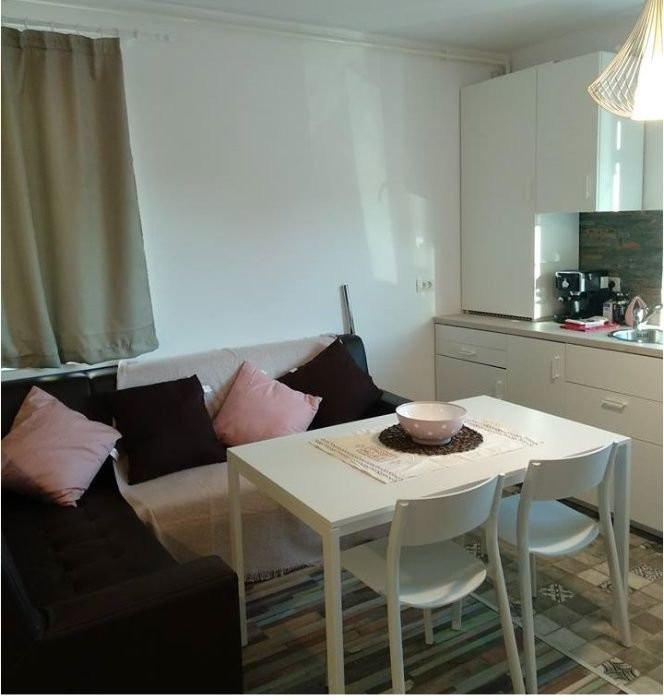 Inchiriez apartament 3 camere - Dumbravita 1