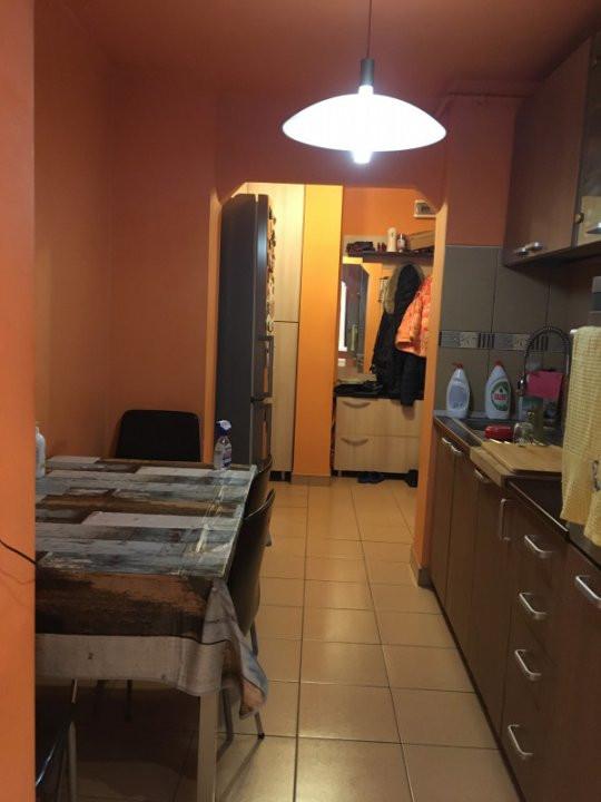 Apartament cu 3 camere, decomandat, de vanzare, Calea Lipovei 6