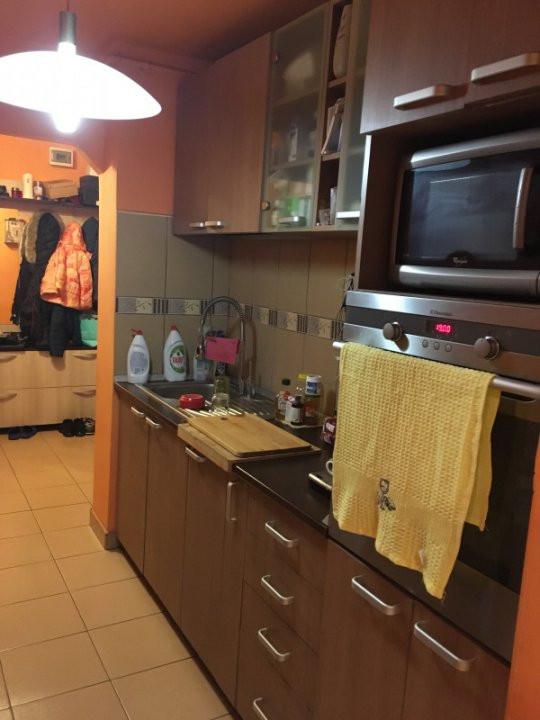 Apartament cu 3 camere, decomandat, de vanzare, Calea Lipovei 7