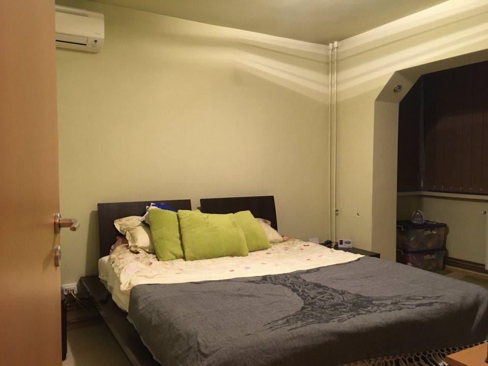 Apartament cu 3 camere, decomandat, de vanzare, Calea Lipovei 12