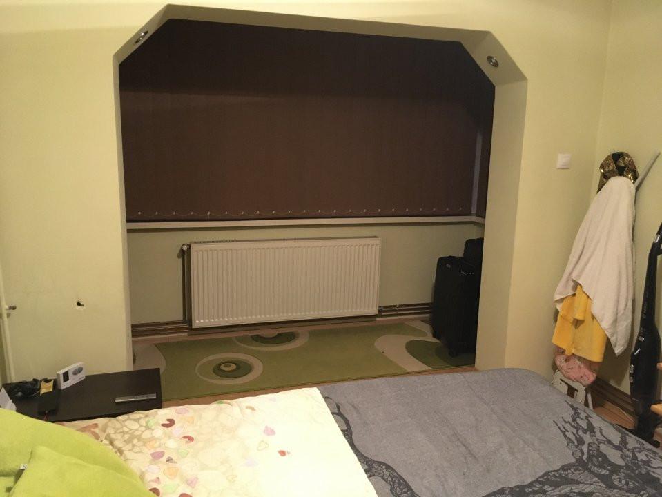 Apartament cu 3 camere, decomandat, de vanzare, Calea Lipovei 14