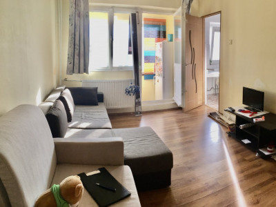 Apartament cu 1 camera, semidecomandat, de vanzare, zona Mircea cel Batran