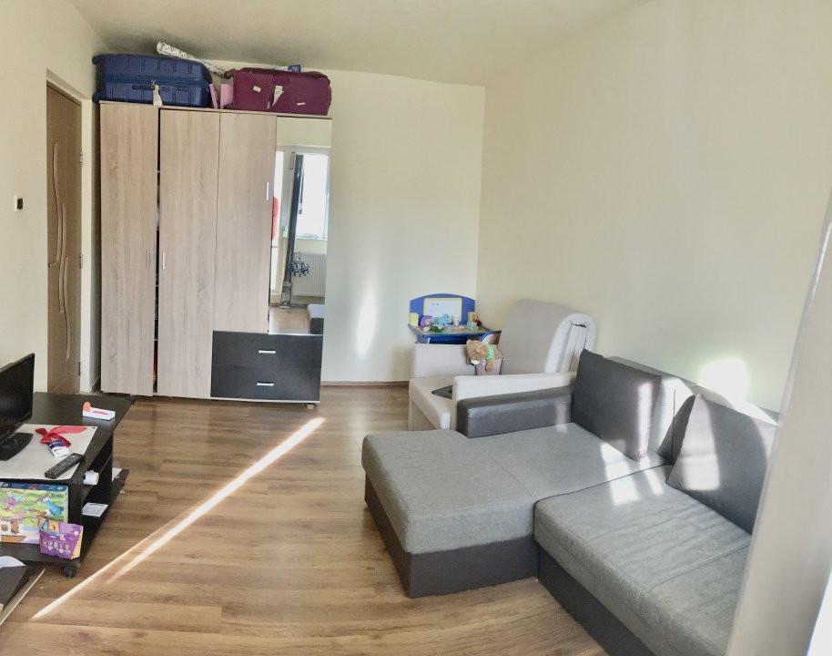 Apartament cu 1 camera, semidecomandat, de vanzare, zona Mircea cel Batran 2