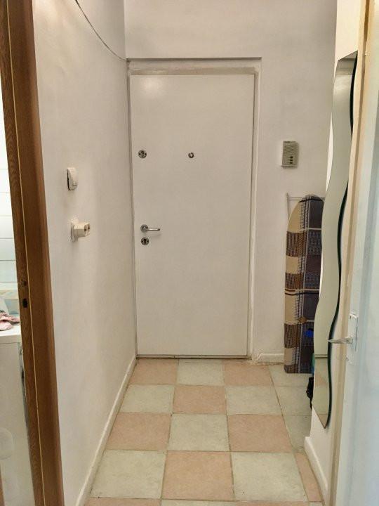 Apartament cu 1 camera, semidecomandat, de vanzare, zona Mircea cel Batran 5