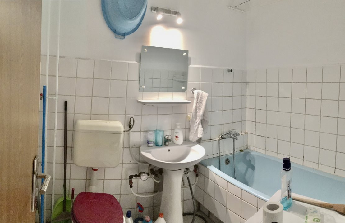 Apartament cu 1 camera, semidecomandat, de vanzare, zona Mircea cel Batran 7