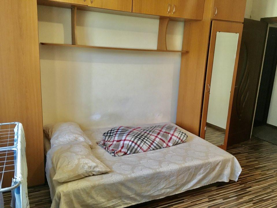 Apartament cu 1 camera, decomandat, de vanzare, zona Lipovei 3