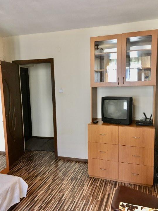 Apartament cu 1 camera, decomandat, de vanzare, zona Lipovei 4