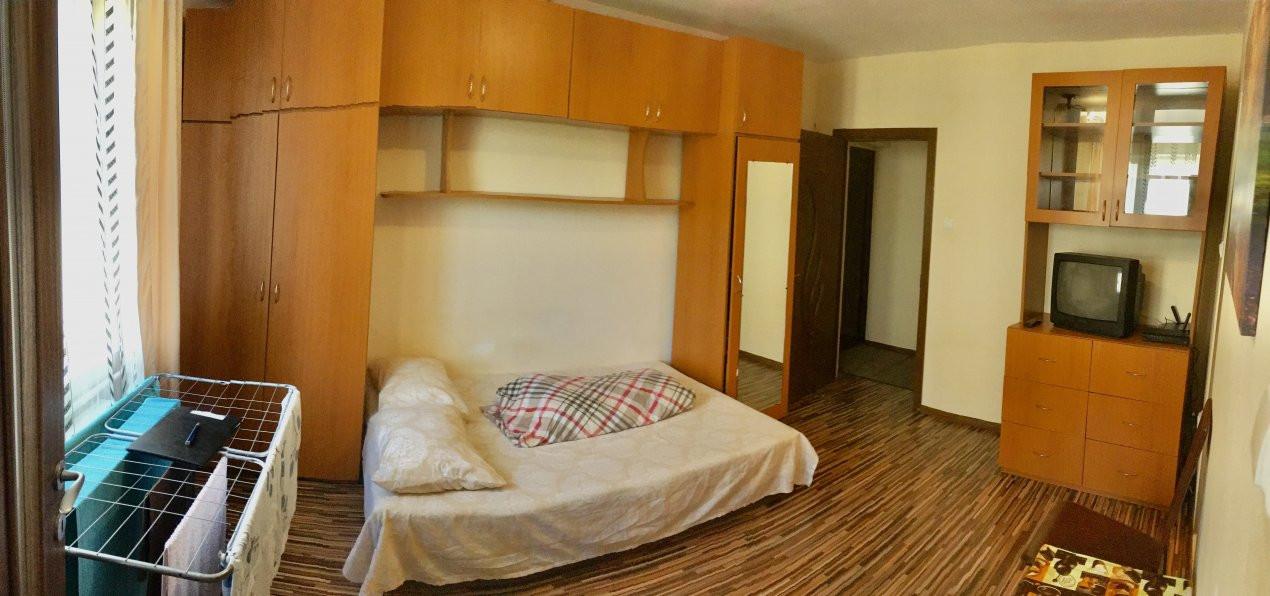 Apartament cu 1 camera, decomandat, de vanzare, zona Lipovei 5
