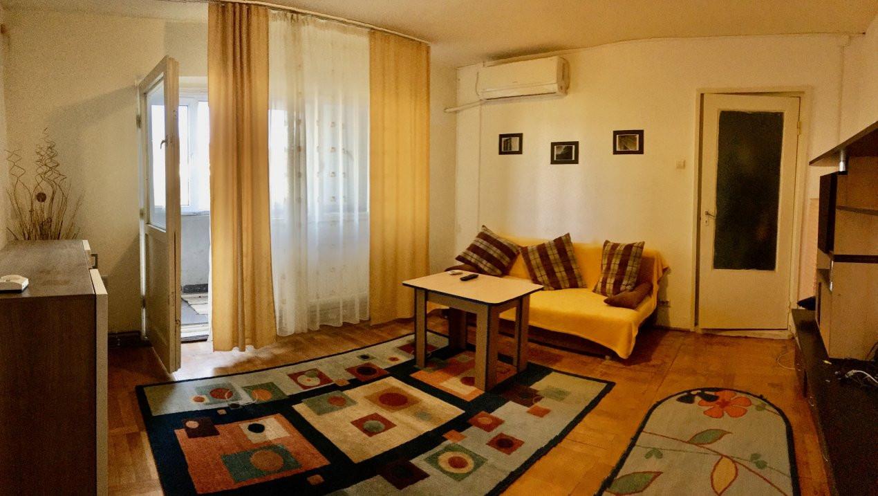Apartament cu 2 camere, decomandat, de vanzare, Calea Lipovei 2