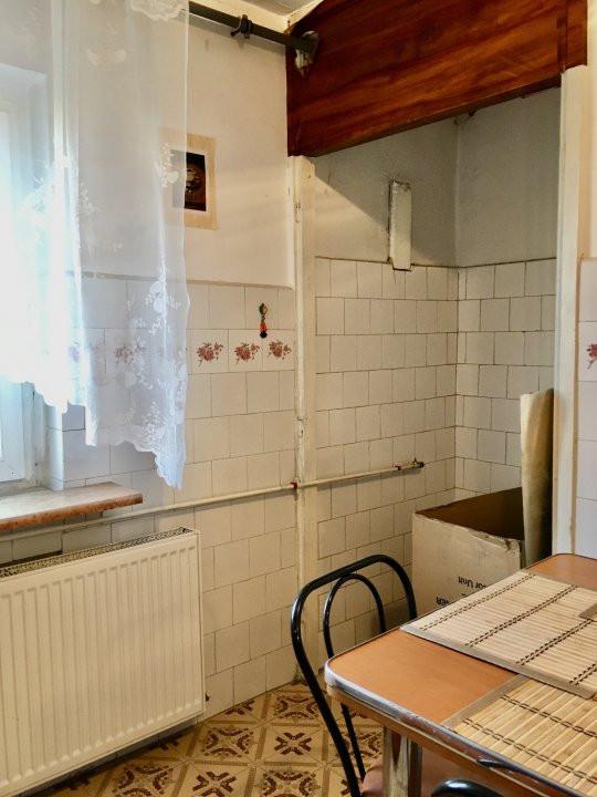 Apartament cu 2 camere, decomandat, de vanzare, Calea Lipovei 10