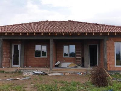 Casa tip duplex 3 camere de vanzare Mosnita Noua - ID V282