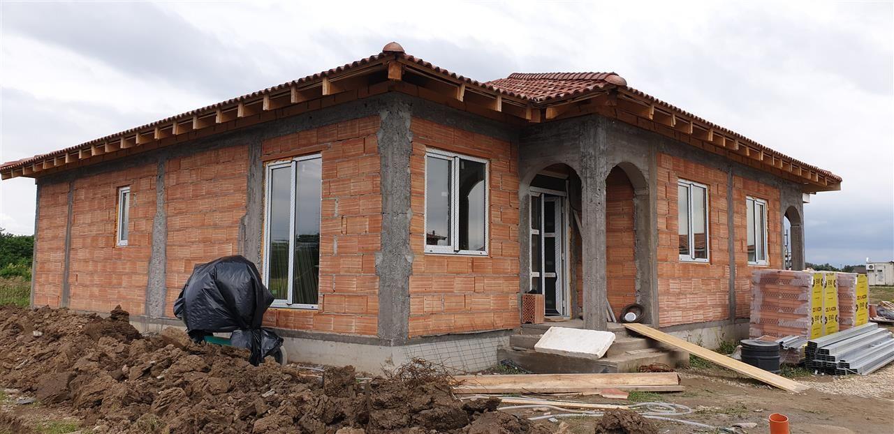 Casa tip duplex 3 camere de vanzare Mosnita Noua - ID V282 1